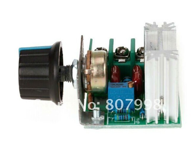 2000W Adjustable 50 - 220V AC Voltage Regulator 25A for home appliance speed / voltage / temperature control